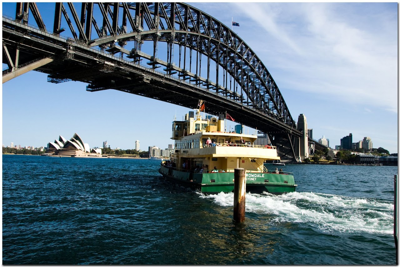 Harbour Bridge in Sydney with boat