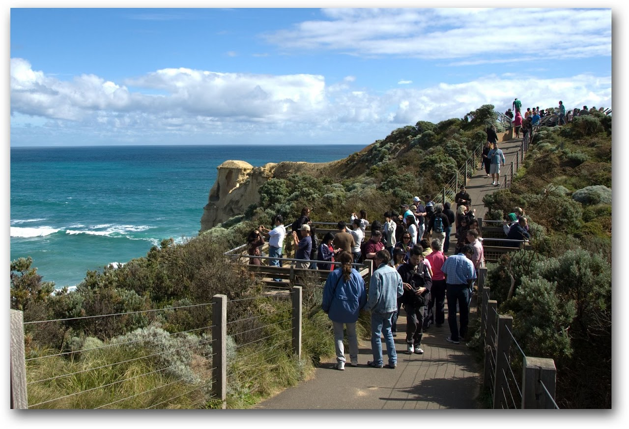 Tourists at the Twelve Apostles on the Great Ocean Road