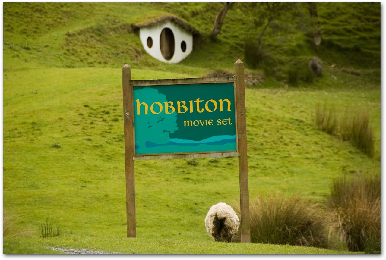 Hobbiton sign