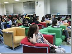 6同學專心聆聽主講人的分享