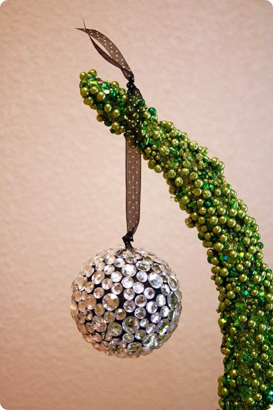 12 Days of Christmas - 3rd Day - Jeweled Ornament - WhipperBerry