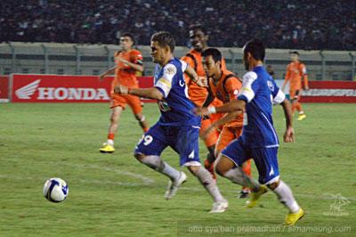 Gonzales Persib vs Persisam 2009/2010