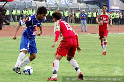 Budi Sudarsono Persib vs Bontang FC 2009/2010