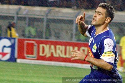Gonzalez Persib vs Persema 2009/2010