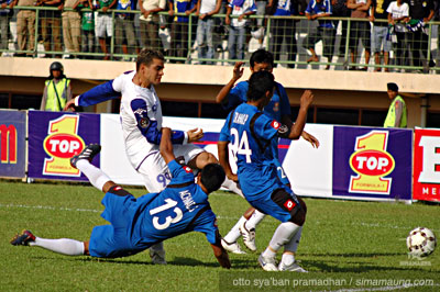 Gonzales Pelita Jaya vs Persib 2010