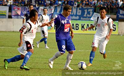 Gonzales Pelita Jaya vs Persib 2009/2010