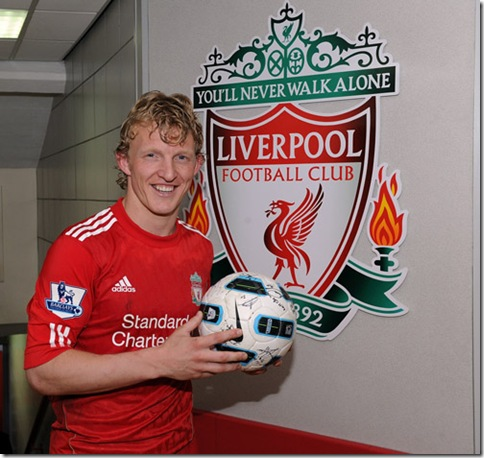 Kuyt with match ball