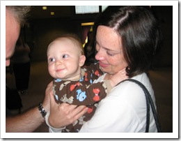 Momma, Daddy & Reid at the airport, 11-15-09