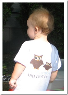 "The back reads, ""I'm going to be a big brother"""