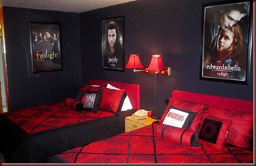 blog_spend_a_night_in_a_twilight_themed_hotel_room