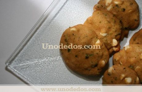 Cookies de chocolate blanco con pistachos