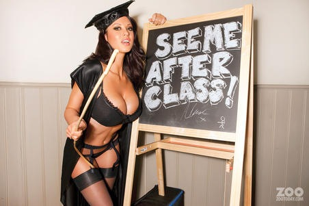 alice_goodwin_is_a_sexy_teacher_001