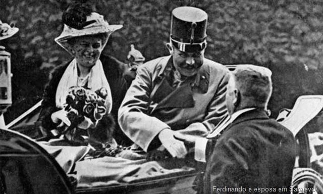 Ferdinando e esposa em Sarajevo.