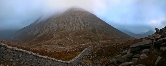 Descending to the Meelmore/Bearnagh saddle