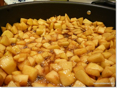 apple pie mixture hot and bubbly