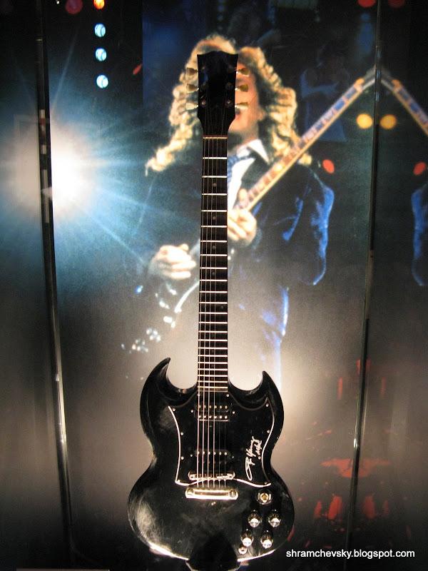 Gibson SG Angus Young AC DC Гибсон ЭсДжи Ангуса Янга