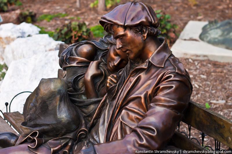 США Колорадо Денвер Энглвуд Музей Уличных Исскусств Скульптура Парень Девушка Мужчина Женщина