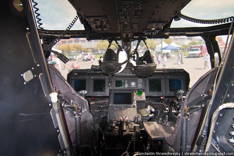 V-22 Osprey multi-mission, military, tiltrotor aircraft inside cockpit В-22 Оспри многоцелевой военный конвертоплан винтокрыл кабина внутри