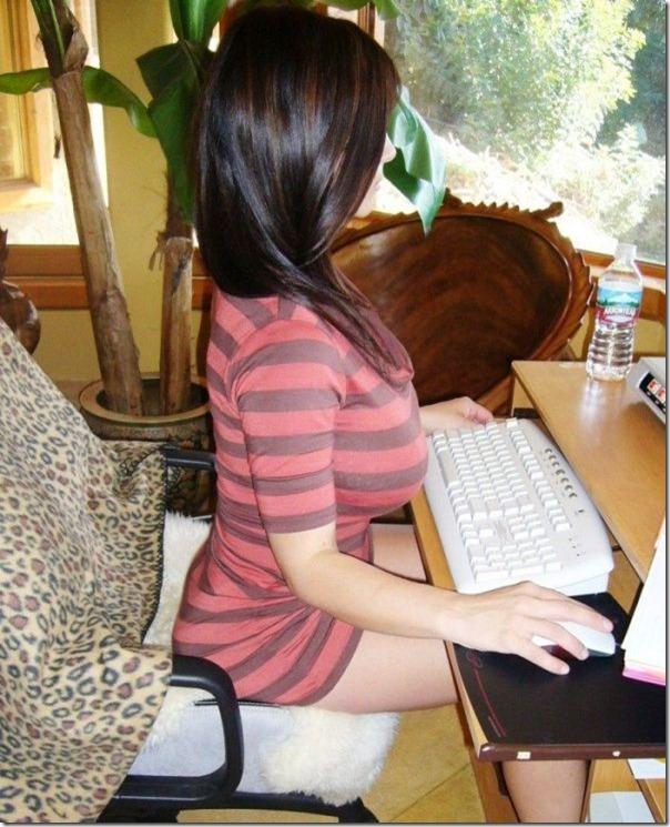 Veja como se sentar corretamente ao usar o computador