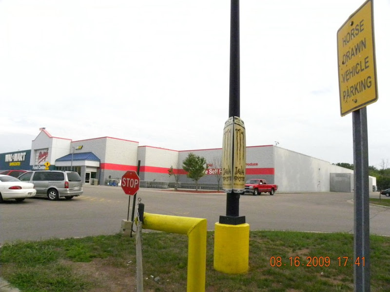 Amish Parking at Wal Mart (3)_2886 for online use