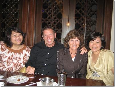 2008-11-2  Jakarta hosts and kids 005