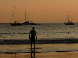 Premier bain dans le Pacifique...