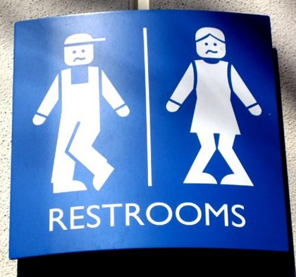 Panneaux-Toilettes-Insolites-Umoor-7