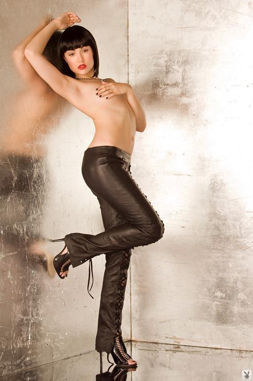 23130_SashaGrey_Playboy_Oct201014_123_500lo