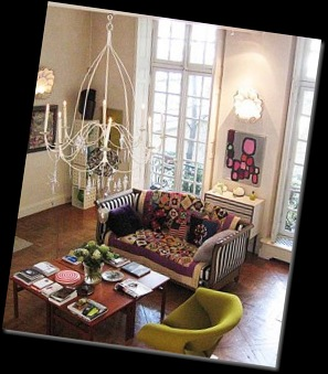 christian-lacroix-apartment-france-1-250x300
