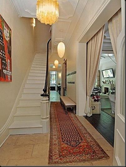 uma-thurman-staircase