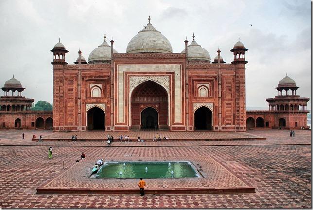 Taj_Mahal_mosque-2
