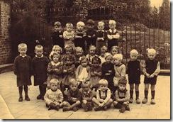 Week 2009-42 - Schoolfoto Kleuterklas 1944-45