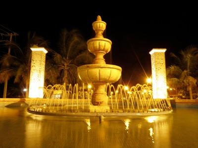 Fonte em Puerta Maya, o porto construído pela Carnival para receber os nossos navios em Cozumel