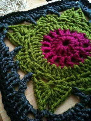 Knit 'Granny' Square - p2 design - original needlework