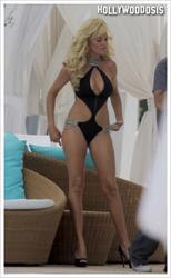 Bridget Marquardt muestra su cuerpo perfecto mientras filma su show