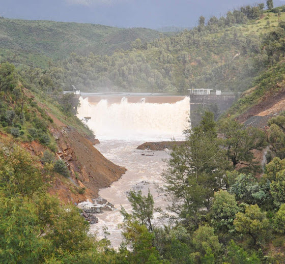 cotter dam in flood