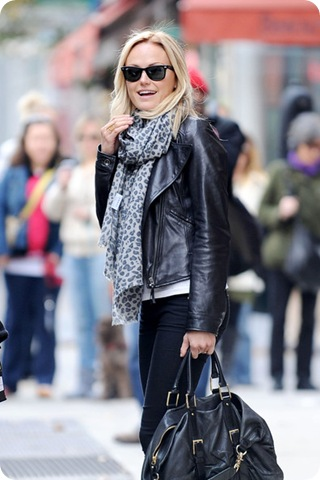 Malin Akerman wears Yarnz animal print scarf 6tpX_ZiNeFZl
