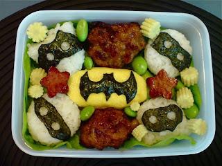 http://easybentoboxrecipes.blogspot.com/2013/11/cute-kids-batman-bento-box-recipe.html
