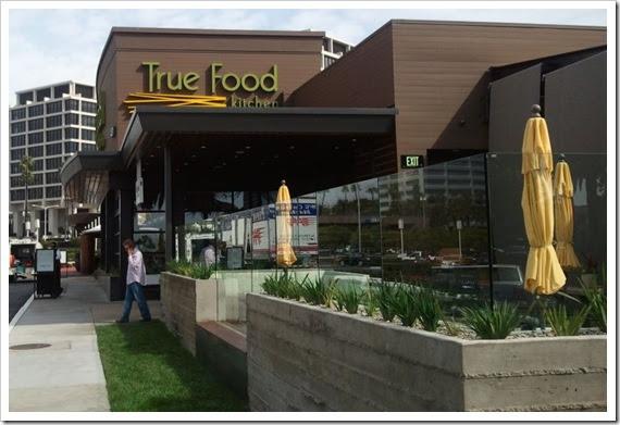 His Birdie 39 S Nest Adventures In Dining Out True Food Kitchen Newport Beach Ca