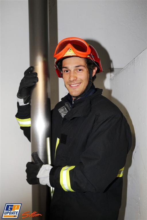 Бруно Сенна в форме пожарника