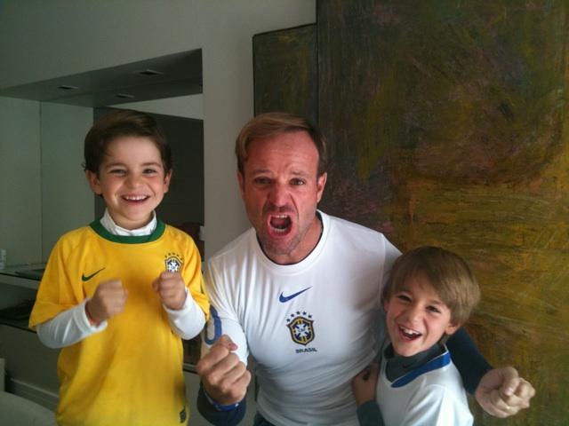 Рубенс Баррикелло с сыновьями