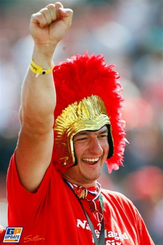 болельщик Ferrari на Гран-при Венгрии 2010