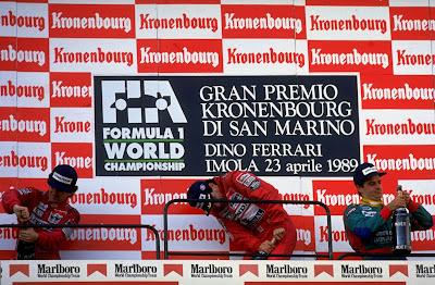 Айртон Сенна, Алан Прост и Алессандро Наннини на подиуме Гран-при Сан-Марино 1989
