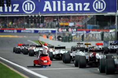 Льюис Хэмилтон Messerschmitt KR175 Гран-при Японии 2010