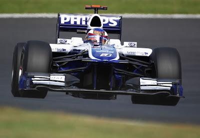 Williams как будто парит над трассой в Сузуке Гран-при Японии 2010