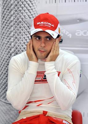 Фелипе Масса в боксах Ferrari на Гран-при Кореи 2010