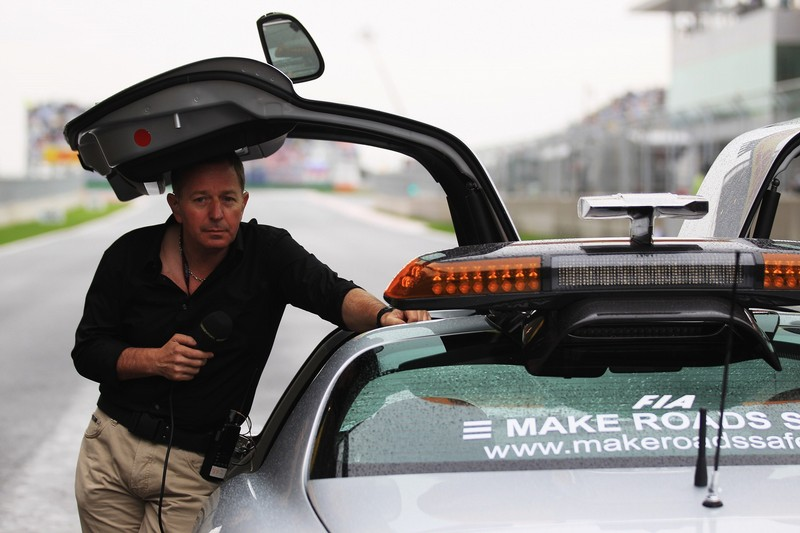 Мартин Брандл под крылом чайки или сэйфти-кара на Гран-при Кореи 2010