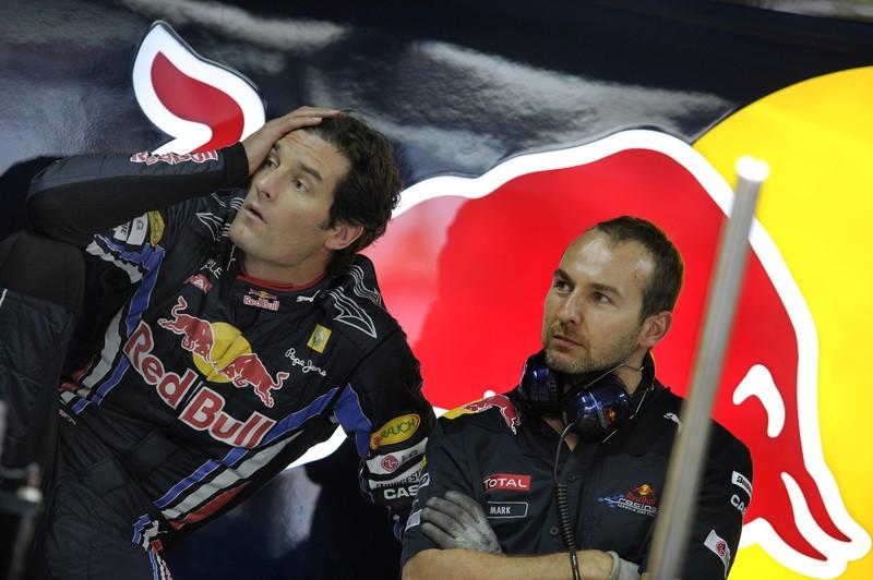 Марк Уэббер и механик на Гран-при Бразилии 2010