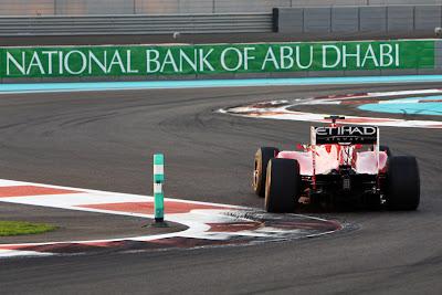 Столбик с камерой на трассе Яс Марина Ferrari на Гран-при Абу-Даби 2010