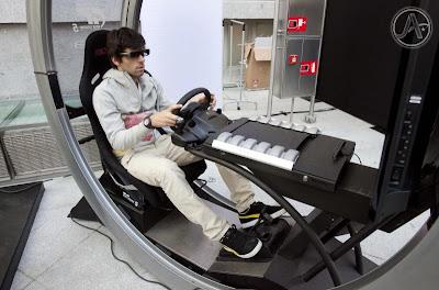 Хайме Альгерсуари на гоночном симуляторе